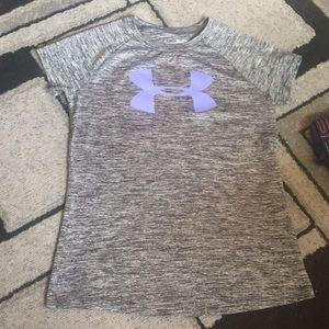 Under Armour girls athletic shirt!